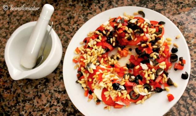 tómat-olífu-salat1